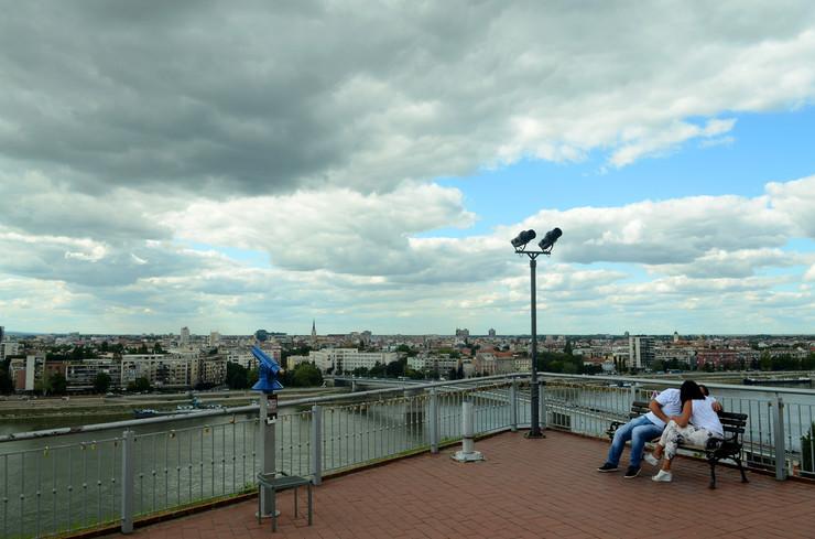 Novi Sad611 Objektiv oblaci iznad grada Dunav pogled sa petrovaradinske tvrdjave foto Nenad Mihajlovic