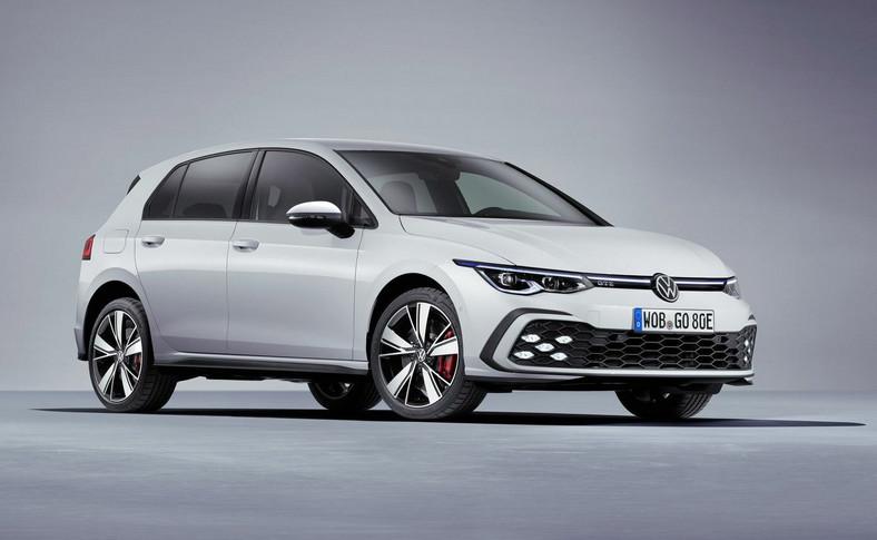 Golf GTE: zhybrydowym układem o mocy 245 KM jest teraz tak samo mocny jak Golf GTI. System łączymoc silnika spalinowegoz dynamiką napędu elektrycznego