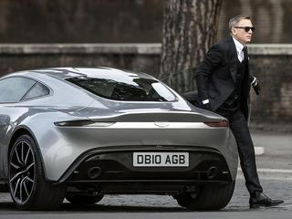 Daniel Craig jako James Bond Spectre