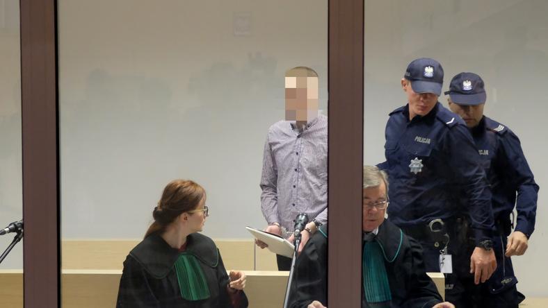 Oskarżony Adam Z. w sądzie w trakcie rozprawy