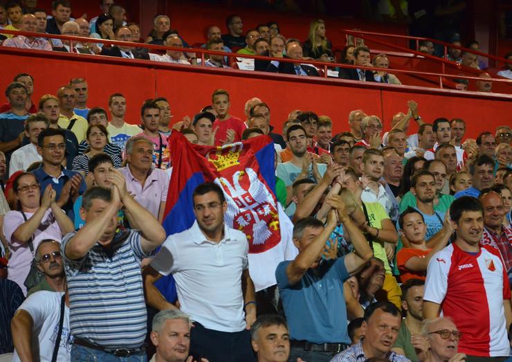 362258_novi-sad1683-fudbal-vojvodina-honved-slavlje-navijaca-vojvodine-foto-nenad-mihajlovic--copy