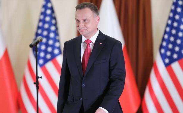 """Prezydent podkreślił, że """"obecność żołnierzy ma być rotacyjna i ciągła, natomiast obecność baz ma być stała i trwała""""."""