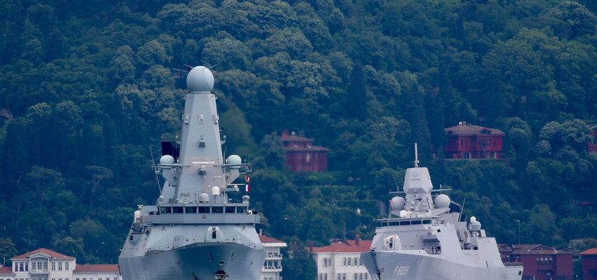 Brytyjski niszczyciel ostrzelany przez rosyjski bombowiec