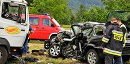 Koszmarny wypadek: kierowcy bmw zmiażdżyło nogi!