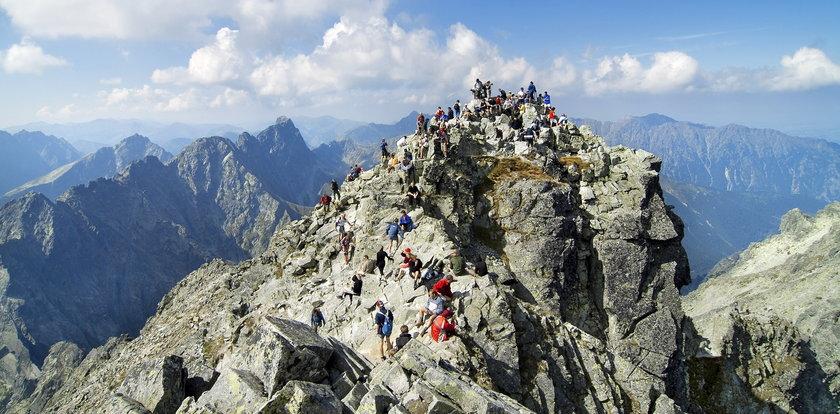 Tłumy w Tatrach. Nie uwierzysz, jak w sobotę wyglądały Rysy