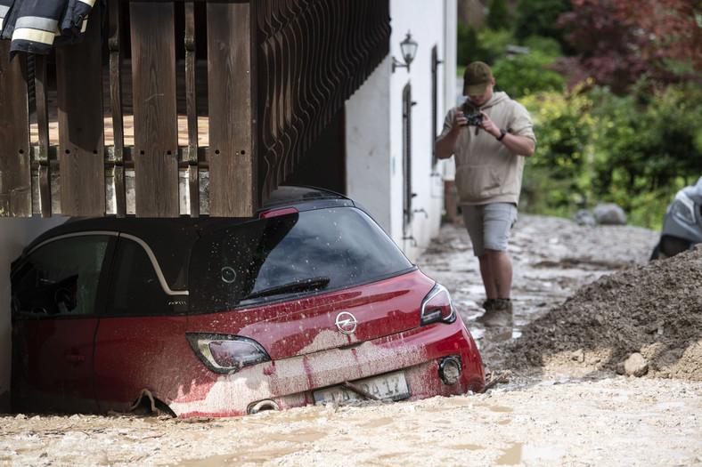 Samochód po powodzi - Niemcy
