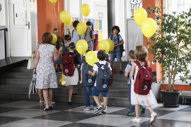 Prvaci će u školu ići od 8.00 do 11.00
