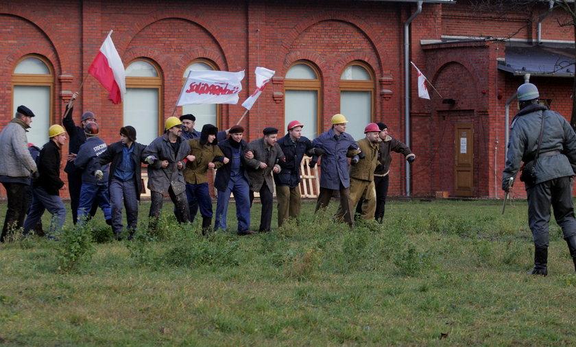 Rekonstruktorzy odtworzyli wydarzenia z 13 grudnia.