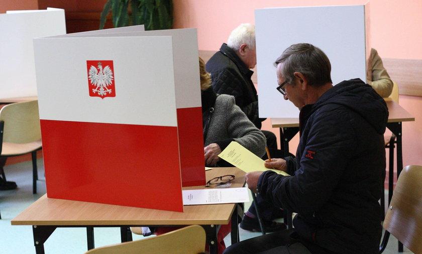 Wybory już za 3 dni! Nowy sondaż nie pozostawia złudzeń