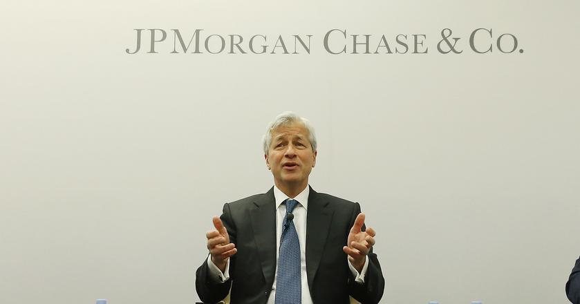 Jamie Dimon, CEO banku JPMorgan, stwierdził we wrześniu, że bitcoina musi czekać kiepski koniec