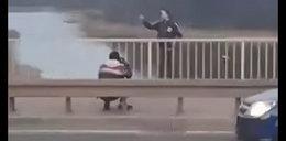 Wstrząsające nagranie z policyjnej akcji. W ostatniej chwili uratowali desperata