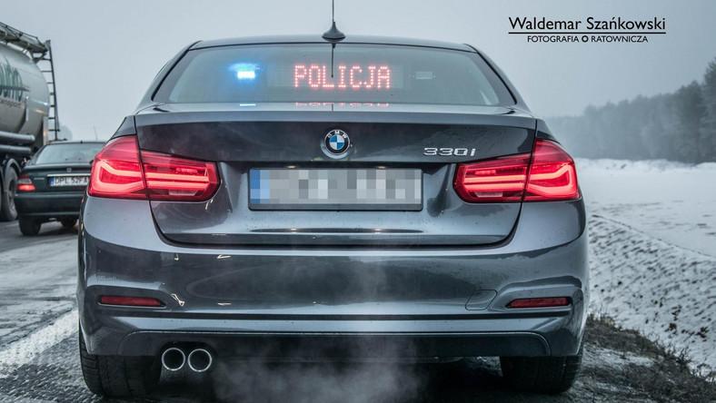 Nieoznakowane BMW policji