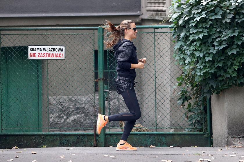 Alicja Bachleda-Curuś dba o formę