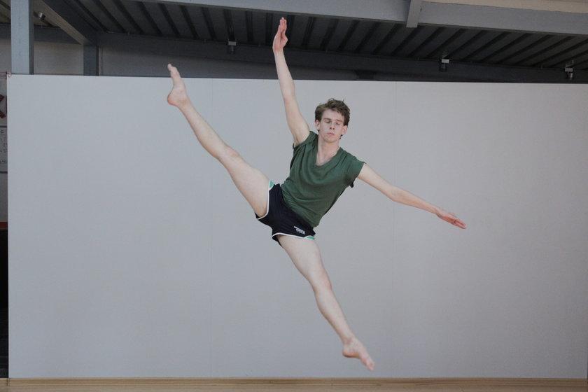 Pomóżmy tancerzowi