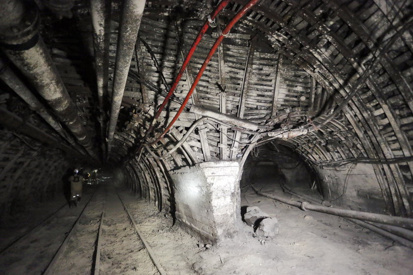 Wstrząs w kopalni w Rudzie Śląskiej. Nie żyje górnik
