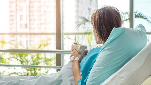 Choć mamy bardzo mobilnych pacjentów, ostatnie obostrzenia w przepisach mogą zmniejszyć liczbę wyjazdów.