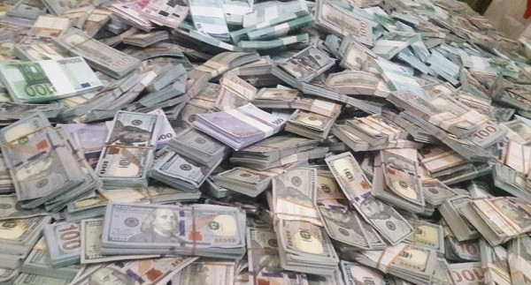 Three police officers arrested in Busia with fake money