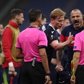 LIGA EVROPE OVO NIJE VIDELA: Utakmica se lomi, korner za Zvezdu, a sudija se uplašio da Milan ne primi gol, pa svirao kraj!