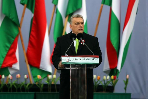 Viktor Orban w czasie przemówienia w Budapeszcie