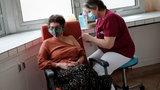 """""""Zielona przepustka"""" potwierdzająca szczepienie będzie obowiązywać w Europie? Szefowa KE zdradziła szczegóły"""