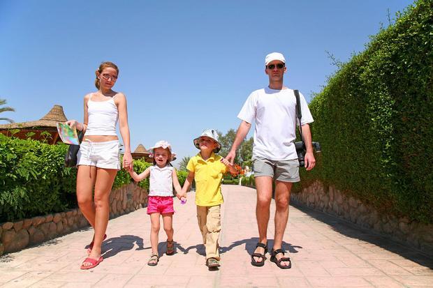 Wakacje z dziećmi: Rodzina z dziećmi na wakacjach