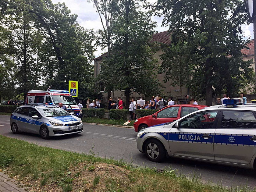 Opole. Uczennica wybiegła ze szkoły prosto pod samochód
