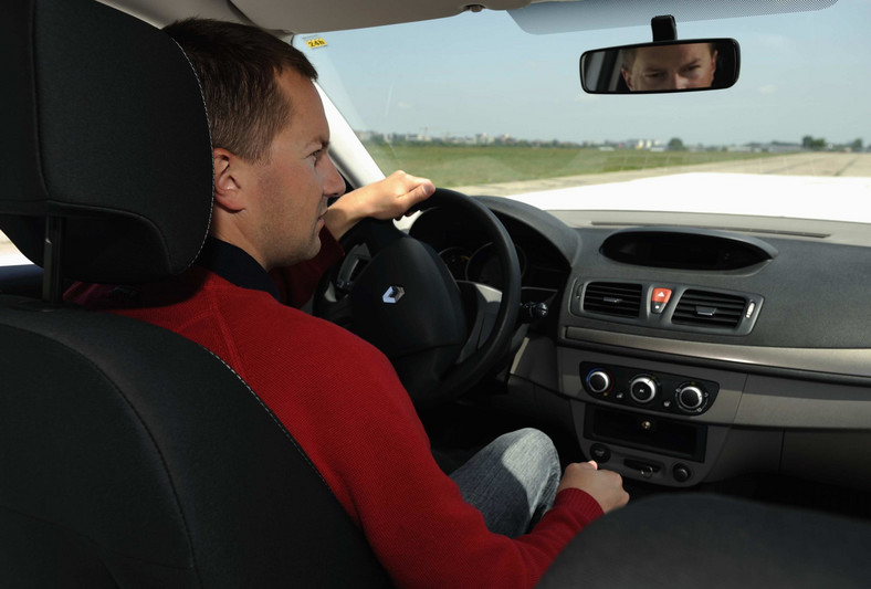 Czynniki takie jak duże natężenie ruchu oraz ryzyko opóźnień związane z jazdą w korku mogą skutkować podwyższeniem ciśnienia krwi