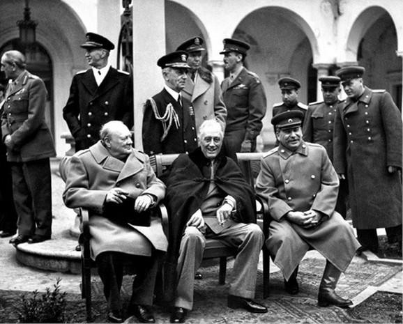 Dani u kojima je rešavana sudbina sveta: Vinston Čerčil, Frenklin Ruzvelt i Josif Visarionovič Staljin