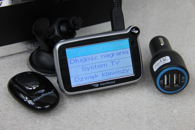 NavRoad myCAM HD Pro GPS, pilot do zdjęć  i zasilacz z dwoma gniazdami USB