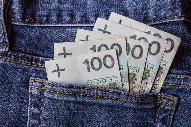 Jak wskazują jednak wyliczenia Federacji Konsumentów, kluczowe w zmniejszeniu obciążeń powinno okazać się wprowadzenie przepisów ograniczających tzw. rolowanie pożyczek.