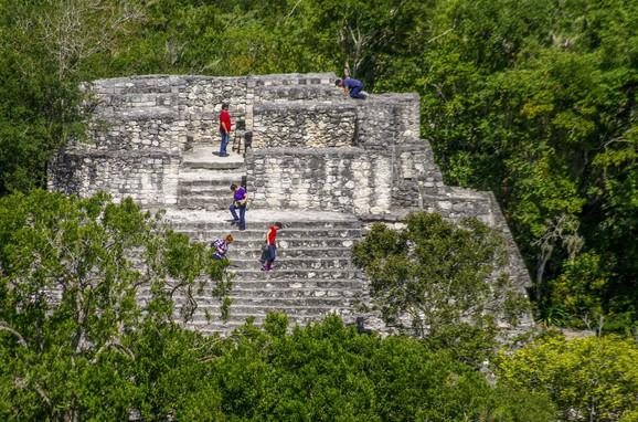 Ostaci velikog majanskog grada Kalakmul