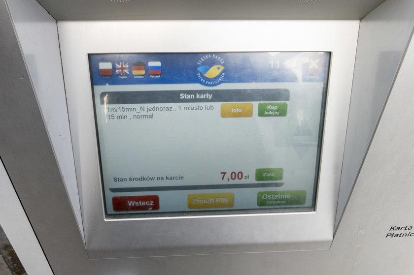 Biletomat ŚKUP pokazuje, że do wydania mamy 7 zł