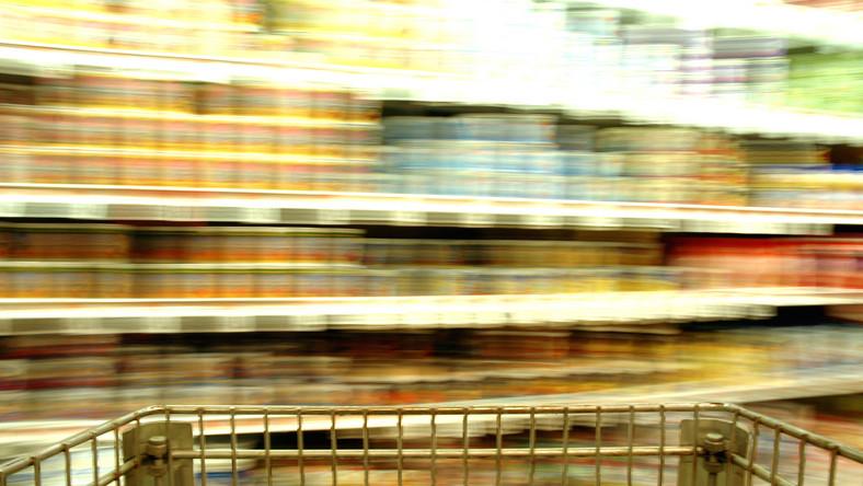 Polacy kupują coraz mniej żywności