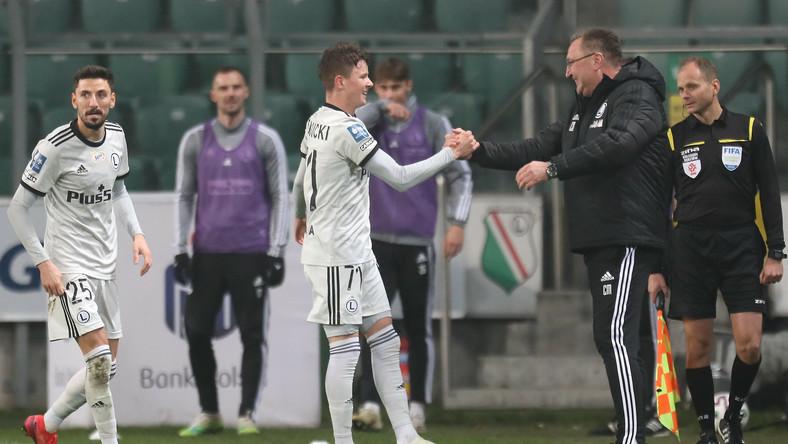 Zawodnik Legii Warszawa Kacper Skibicki (C) cieszy się z bramki podczas meczu 9. kolejki piłkarskiej Ekstraklasy z Lechem Poznań