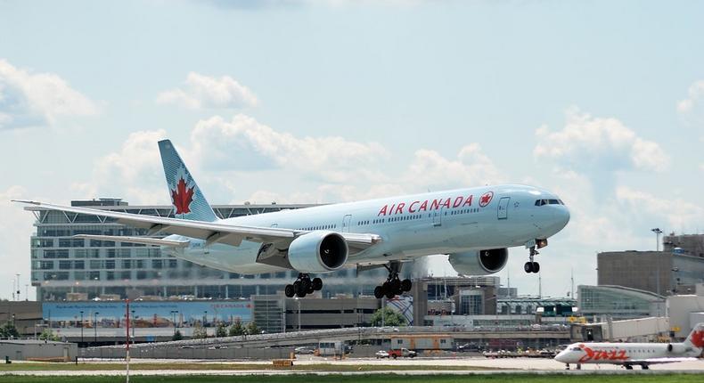 ___4181710___https:______static.pulse.com.gh___webservice___escenic___binary___4181710___2015___9___18___18___Air_Canada_Boeing_777-333ER_YUL_2009