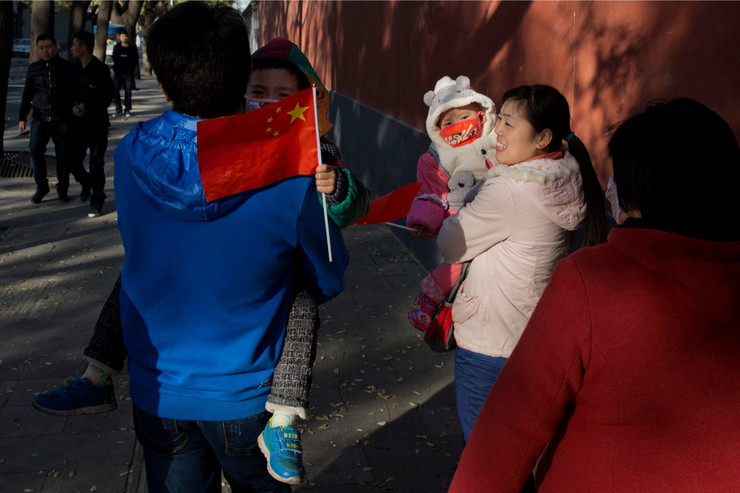 Kinezi sada mogu da imaju po dvoje dece, ali im i dalje trebaju dozvole za rađanje