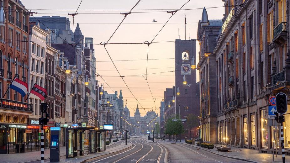 Niemal połowa osób w Holandii nie przestrzega kwarantanny