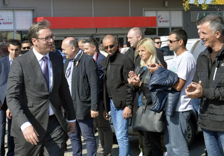 Aleksandar Vučić, Kraljevo, Leoni, Fabrika