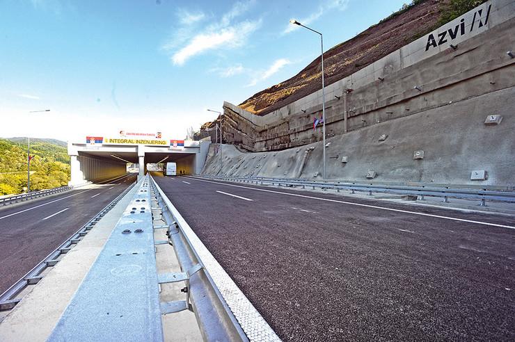 Najzahtevnija je bila izgradnja autoputa kroz Grdeličku klisuru i borba sa nepredvidivim kosinama