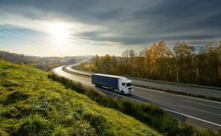 Kościński: Przejazd dwiema państwowymi autostradami bez szlabanów pod koniec 2021 r.