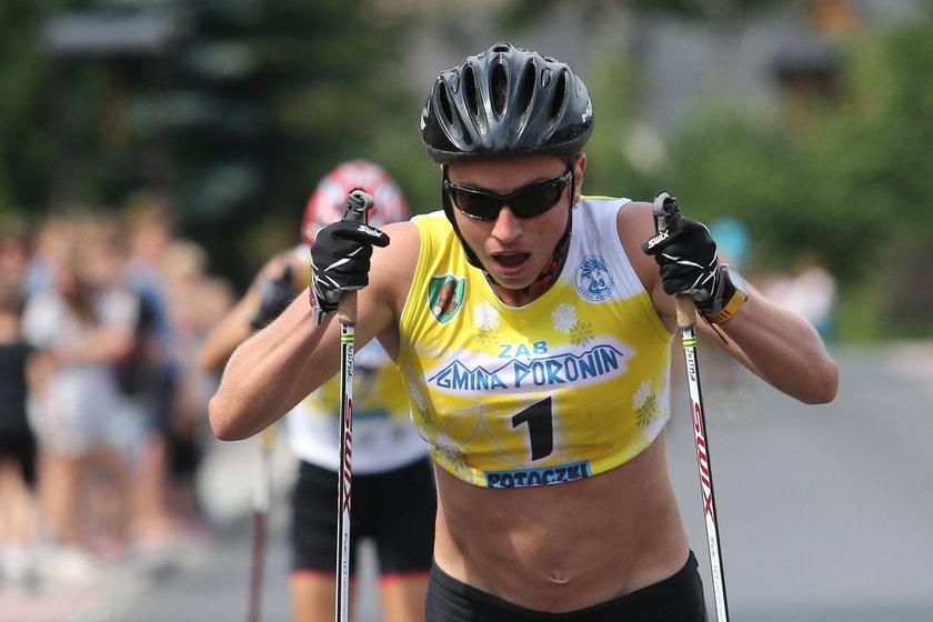 Justyna Kowalczyk podczas biegu nartorolkowego