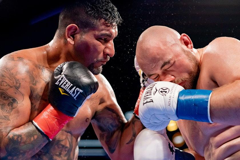 Polski bokser mógł do walki z Finem przygotowywać się poza domem, ale tego nie zrobił.