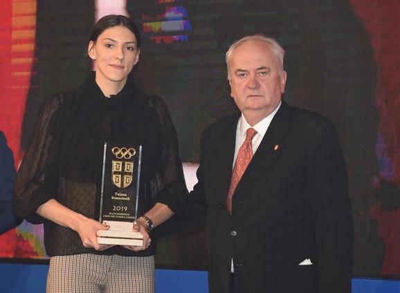 Odbojkaška reprezentativka Srbije Tijana Bošković, najbolja sportistkinja naše zemlje u 2019,  i Božidar Maljković, predsednik Olimpijskog komiteta Srbije
