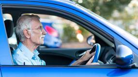 Seniorzy za kółkiem. Czy starsi kierowcy stwarzają zagrożenie?
