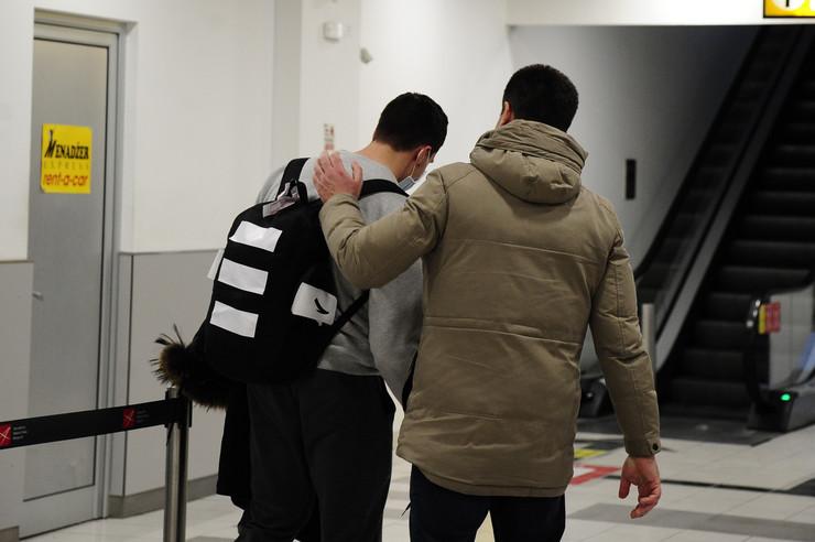Vuk Vujsić, student, Vuhan, sleteo na aerodrom, koronavirus