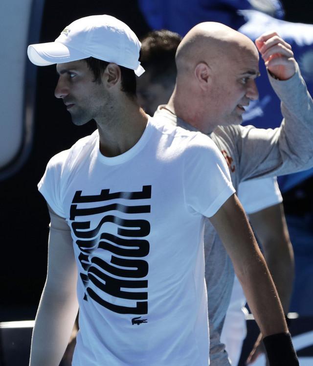 Andre Agasi i Novak Đoković