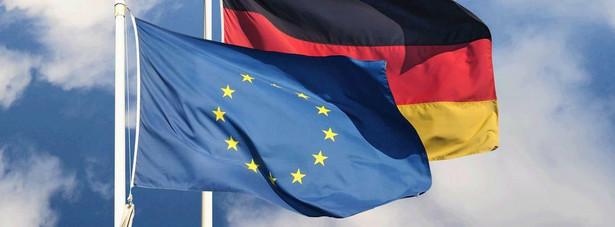 Niemiecki rząd kanclerz Angeli Merkel nalegał na to, by równocześnie z ratyfikacją EMS Niemcy zaakceptowały też pakt fiskalny, wzmacniający dyscyplinę budżetową.