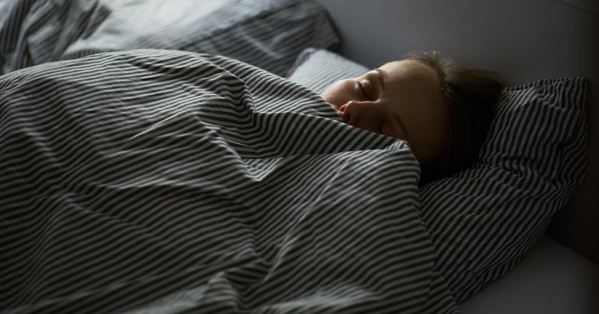 Dobry sen zależy od wielu czynników, nie tylko od tego, czy położymy się do łóżka o odpowiedniej porze