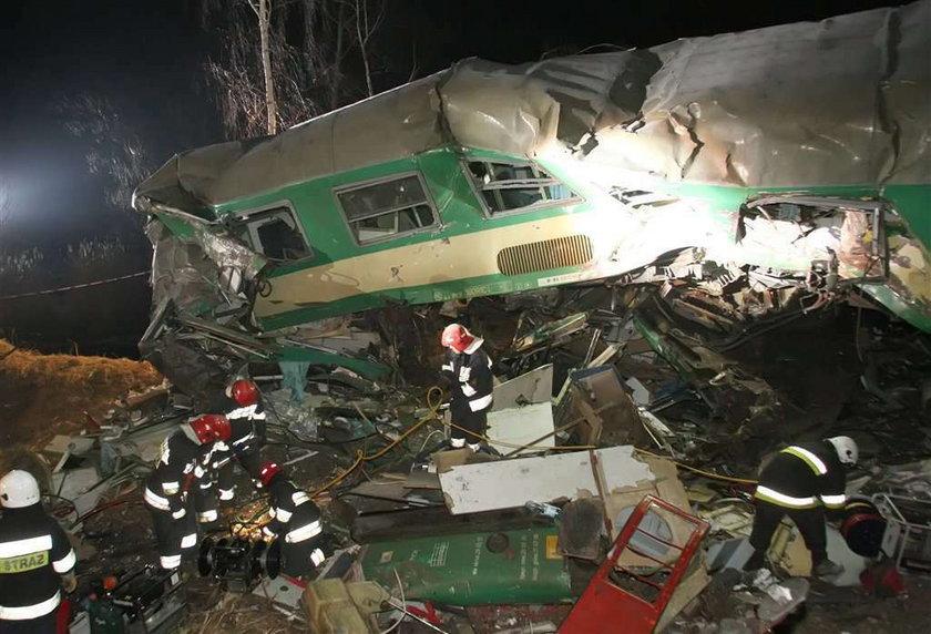 Zidentyfikowano już 14 ofiar katastrofy