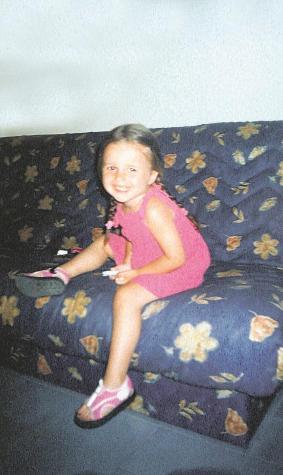 Mala Anja ostala je bez kiseonika tokom operacije katarakte. Lekari su, prema optužnici, reagovali kasno i tek posle tri sata u komi Anja je prebačena u Institut za majku i dete, gde je preminula